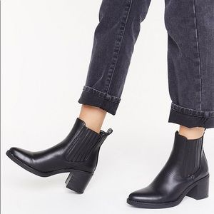 Nasty Gal Chelsea Boots (Vagabond Marja dupes)